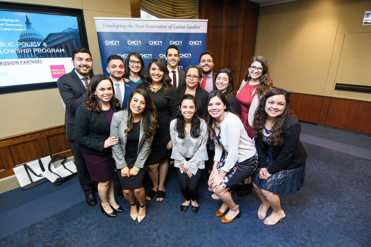 Apply To CHCI's 2019 Leadership Programs!